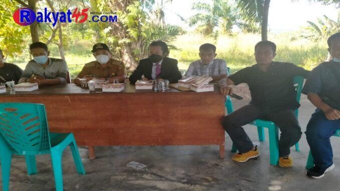 Ket : Lurah Kelurahan Tuah Negeri lakukan mediasi ke 3 kali untuk penyelesaian terkait tanah Almarhum Sodin dapat selesai dengan baik (foto/KEND ZAI)